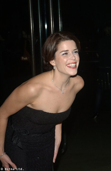 Neve Campbell Photos